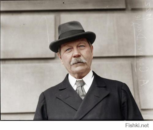 Теперь понятно, почему сэр Артур Конан Дойл писал своего Шерлока Холмса от лица доктора Ватсона! Он же сам - вылитый Ватсон! - с себя персонаж срисовал. Ещё и наши творцы кино так удачно подобрали Ватсона-Соломина!