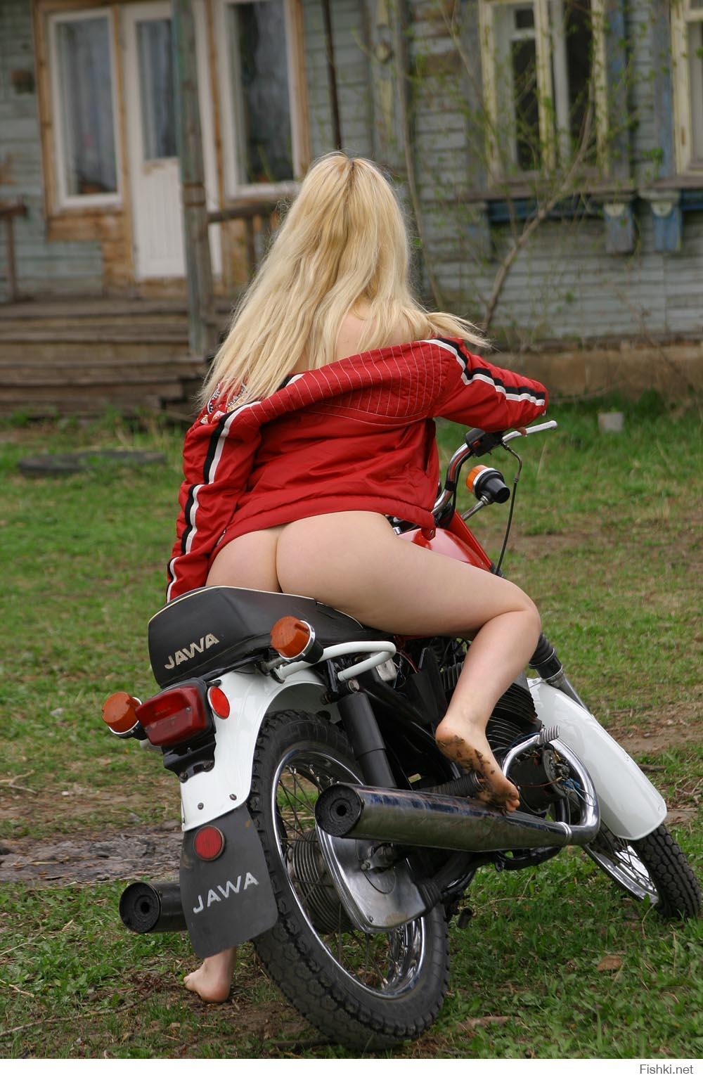Фото голых на мотоцикле 7 фотография