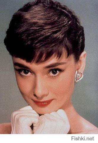 """Блин, я вот вообще не фанат актрис, да и вообще всяких там медийных личностей. Но Одри... она просто офигенная. В эти глаза можно смотреть вечно. Надо срочно пересмотреть """"Как украсть миллион"""" и """"Римские каникулы"""". :heart:"""
