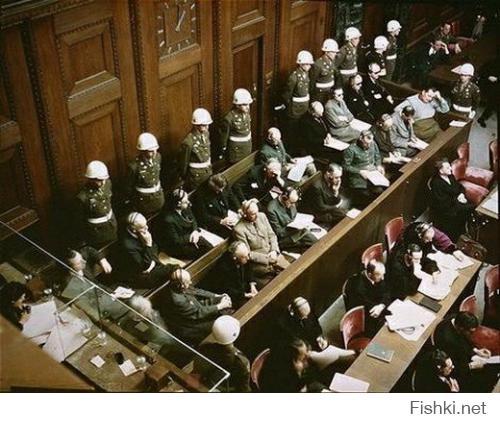 По-моему фото Нюрнбергского процесса приятнее, чем фото Гитлера..