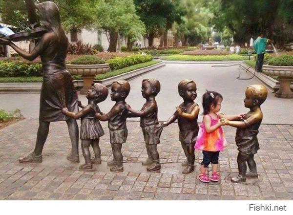Как правильно фотографироваться с памятниками...