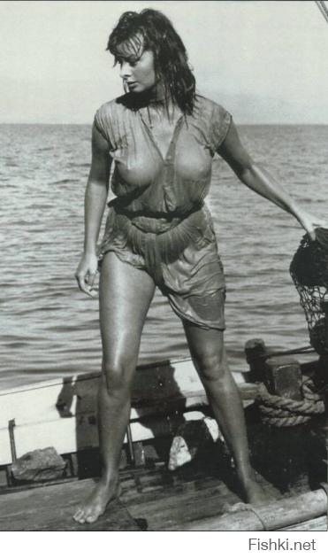 Софи Лорен покруче будет,чем эта блонда с висюльками!